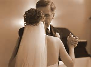 father-daughter-wedding-dance